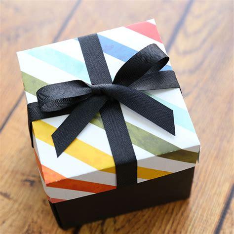 Exploding-Gift-Box-Diy