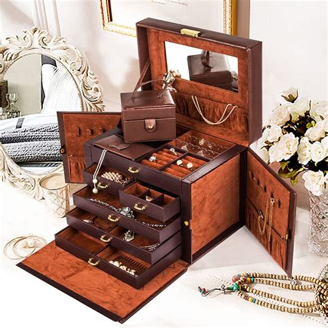 Exquisite jewelry storage boxes to store your jewels