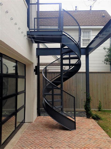 Exterior-Wood-Spiral-Staircase-Plans