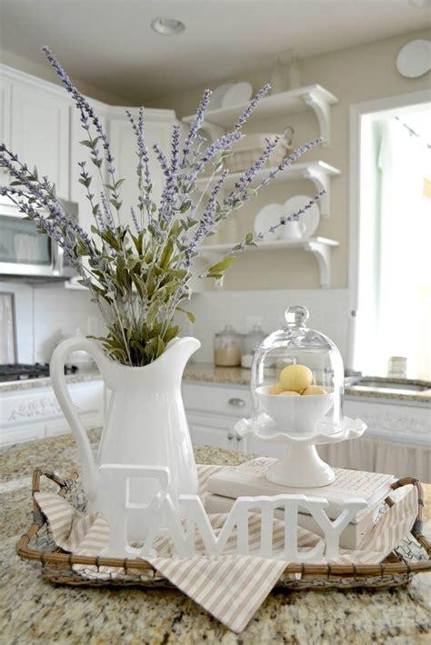 Farm-Style-Table-Centerpieces