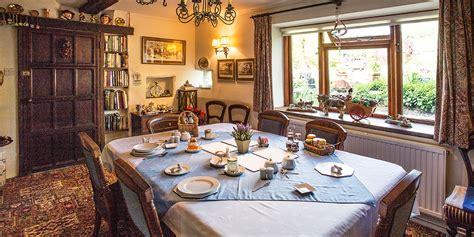 Farmhouse-Bed-And-Breakfast-Cotswolds