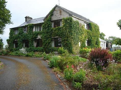 Farmhouse-Bed-And-Breakfast-Galway