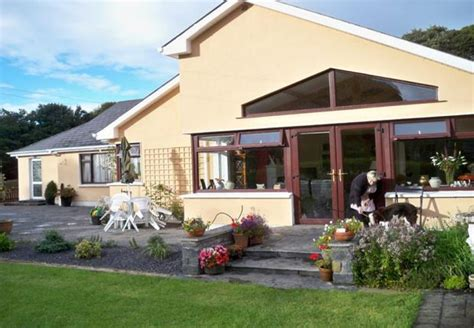 Farmhouse-Bed-And-Breakfast-Ireland