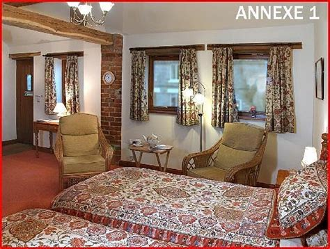 Farmhouse-Bed-And-Breakfast-Pickering