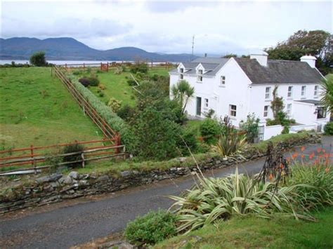 Farmhouse-Bed-And-Breakfast-Southern-Ireland