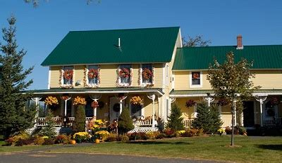 Farmhouse-Bed-And-Breakfast-Stowe-Vt