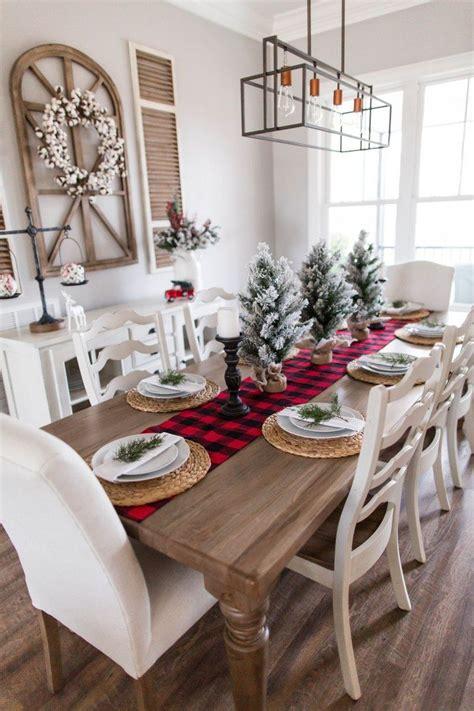 Farmhouse-Christmas-Dining-Table