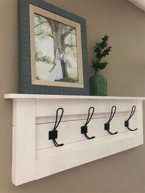 Farmhouse-Coat-Rack-Diy