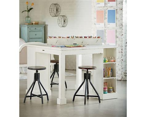 Farmhouse-Craft-Room-Table