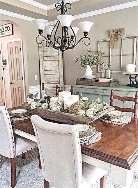 Farmhouse-Dining-Room-Table-Decor