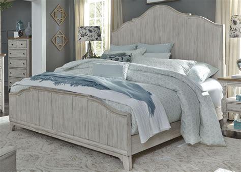 Farmhouse-King-White-Bed