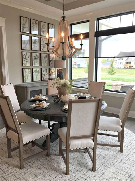 Farmhouse-Lighting-Over-Round-Table
