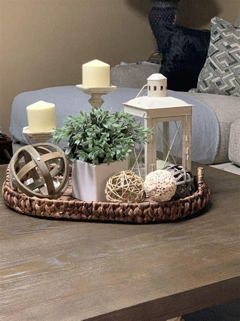 Farmhouse-Living-Room-Coffee-Table-Centerpiece