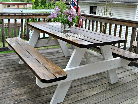 Farmhouse-Picnic-Table-Plans