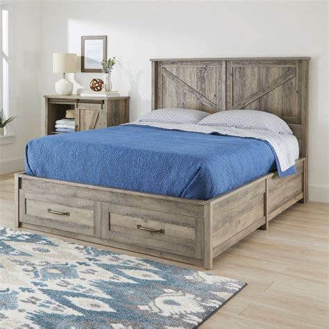 Farmhouse-Queen-Platform-Bed
