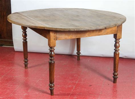 Farmhouse-Round-Drop-Leaf-Table