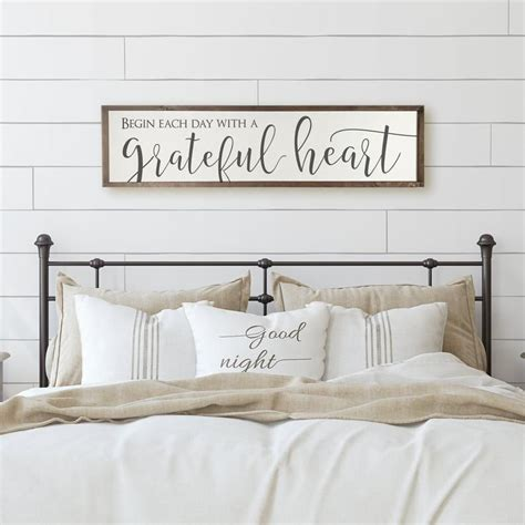 Farmhouse-Signs-Above-Bed
