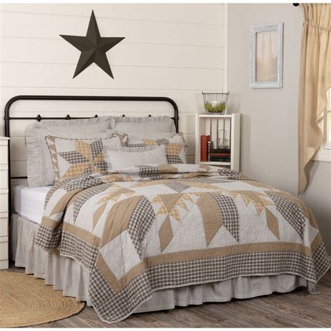 Farmhouse-Star-Bedding-Sets