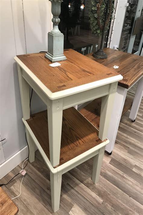 Farmhouse-Style-Accent-Table