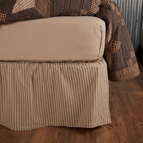 Farmhouse-Style-Bed-Skirts