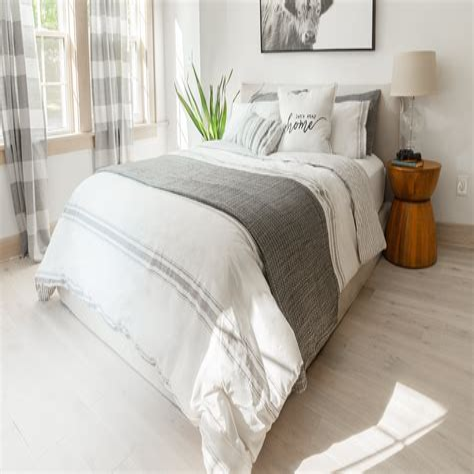 Farmhouse-Style-Bedding-Sheets