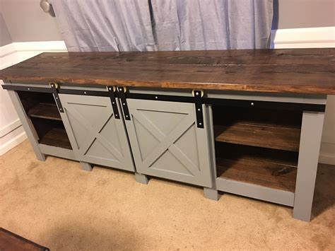 Farmhouse-Style-Buffet-Serving-Table