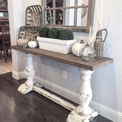 Farmhouse-Style-Entry-Table