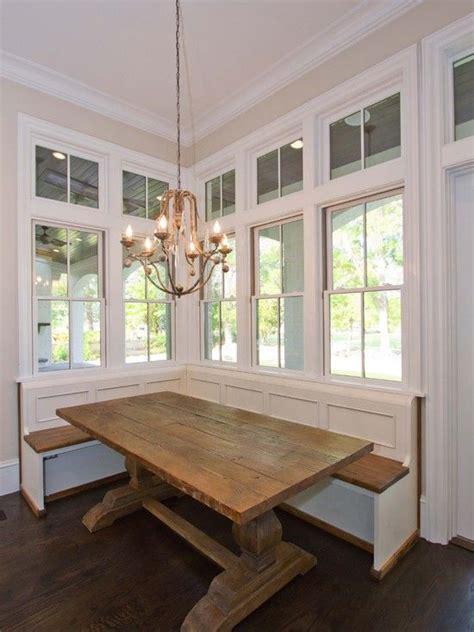 Farmhouse-Table-Banquette