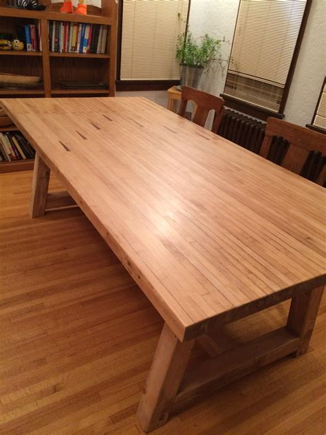 Farmhouse-Table-Bowing