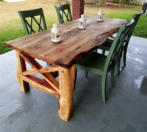 Farmhouse-Table-Edge