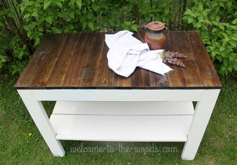 Farmhouse-Table-Giveaway