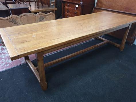 Farmhouse-Table-Seats-12