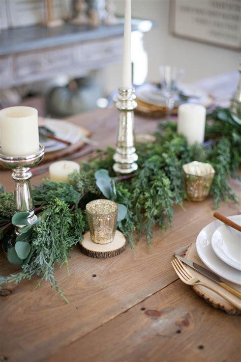 Farmhouse-Table-Setting-For-Christmas