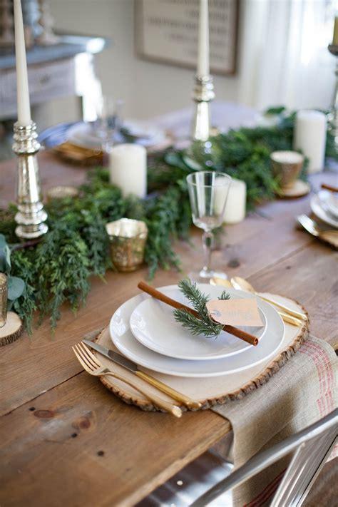 Farmhouse-Table-Settings-For-Christmas