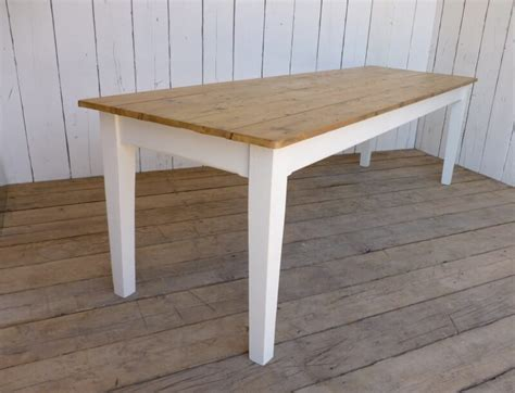 Farmhouse-Table-Tapered-Legs