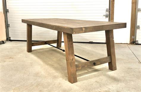Farmhouse-Table-With-4x4-Legs