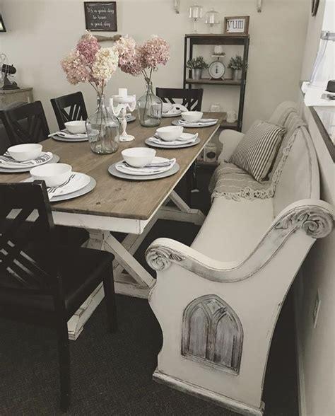 Farmhouse-Table-With-Church-Pew