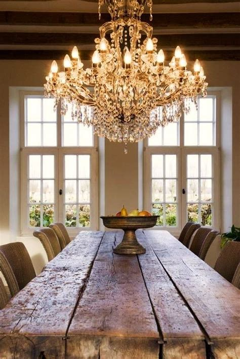 Farmhouse-Table-With-Crystal-Chandelier