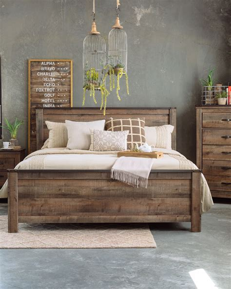 Farmhouse-Tables-At-Mathis-Brothers-Furniture