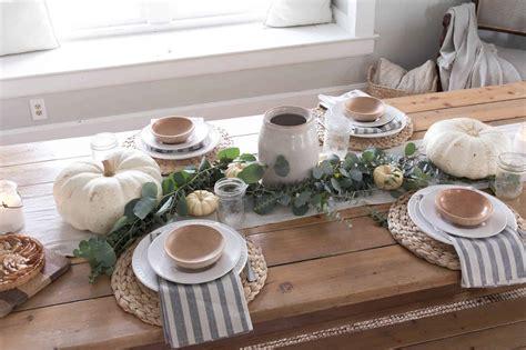 Farmhouse-Thanksgiving-Table-Decor