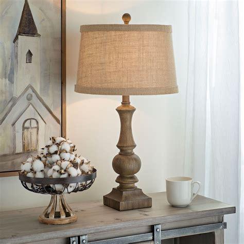 Farmhouse-Wooden-Table-Lamp