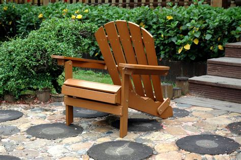 Faux-Wood-Adirondack-Chair-With-Ottoman