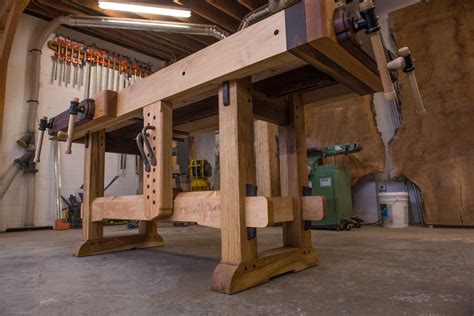 Features-Of-Woodworking-Workbench