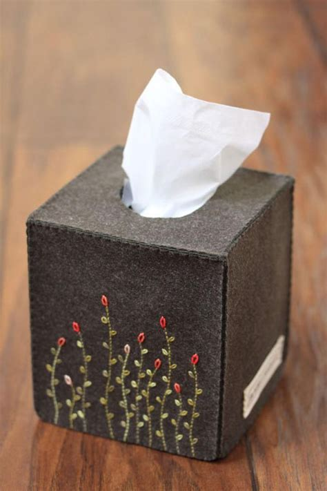 Felt-Tissue-Box-Cover-Diy