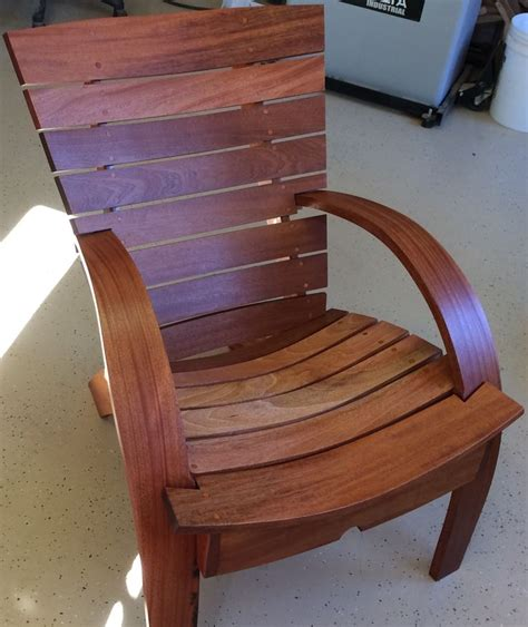 Fine Woodworking Comfy Garden Chair