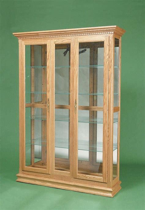 Fine-Woodworking-Cabinet-With-Glass-Door