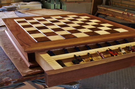 Fine-Woodworking-Chess-Board