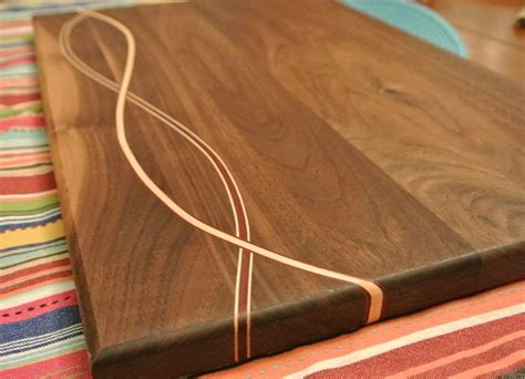 Fine-Woodworking-Cutting-Board