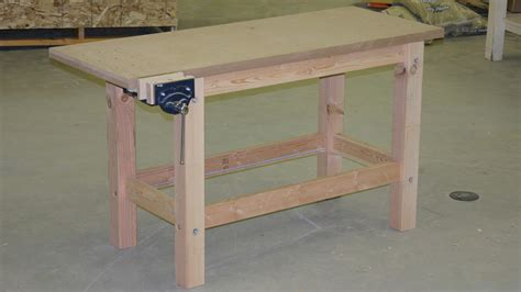 Fine-Woodworking-Easy-Workbench