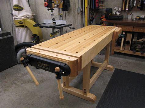Fine-Woodworking-Essential-Workbench